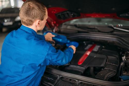 un achat d'huile voiture en ligne